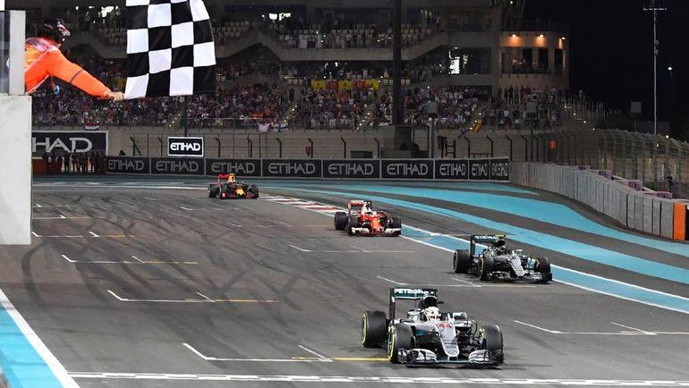 Сегодня. Абу-Даби. Финиш гонки. Фото AFP