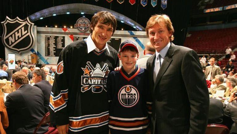 Александр ОВЕЧКИН (слева) и Уэйн ГРЕТЦКИ (справа). Фото НХЛ