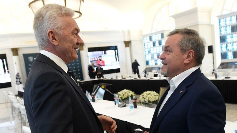 Председатель Совета директоров КХЛ Геннадий ТИМЧЕНКО и Владимир ШАЛАЕВ. Фото photo.khl.ru