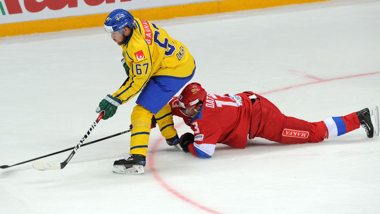 Шведский хоккеист извинился заслова обиспорченном празднике для россиян