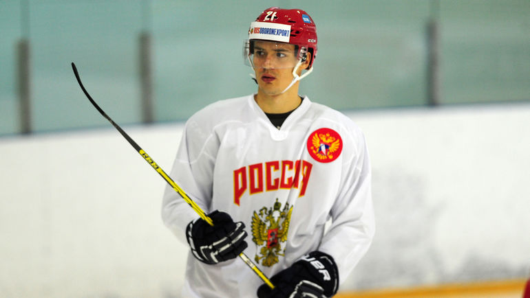 ЗащитникХК «Сибирь» Меньшиков близок кпереходу в«Авангард»