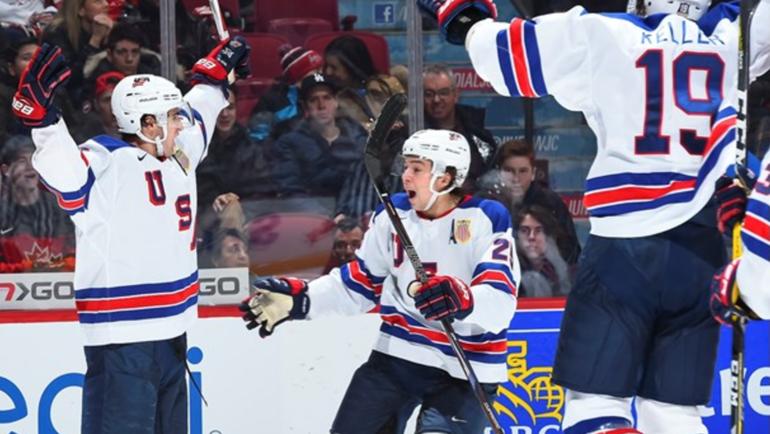 Сегодня. Монреаль. США - Россия - 4:3 Б. Американские хоккеисты празднуют взятие ворот. Фото worldjunior2017.com