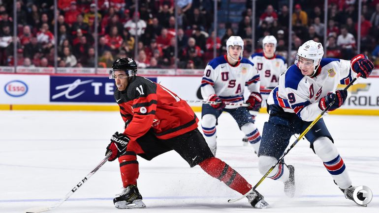 Четверг. Монреаль. США - Канада - 5:4 Б. Матье ЖОЗЕФ (слева) и Тэйдж ТОМПСОН. Фото AFP