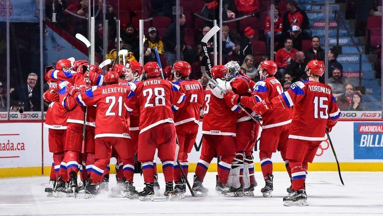 Сегодня. Монреаль. Швеция - Россия - 1:2 ОТ. Игроки сборной России радуются победе. Фото AFP