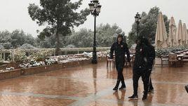 Среда. Кампоамор. На сборах в Испании армейцам теперь впору вводить новое упражнение - лепку снеговиков.