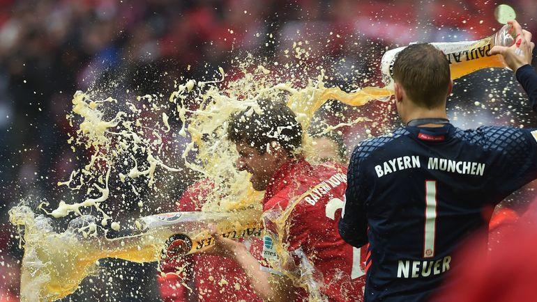 """Ждет ли """"Баварию"""" очередной пивной душ в честь пятой подряд победы в чемпионате Германии? Фото AFP"""