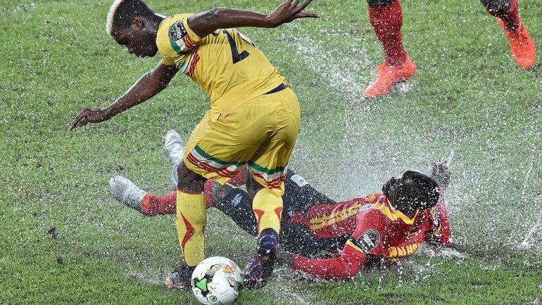 Поля и погодные условия - одна из самых обсуждаемых тем нынешнего Кубка Африки. Фото AFP