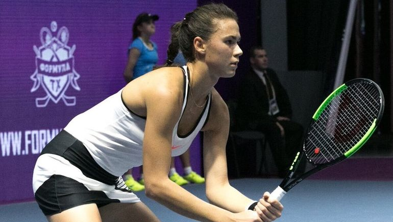 Вихлянцева проиграла Младенович вполуфинале