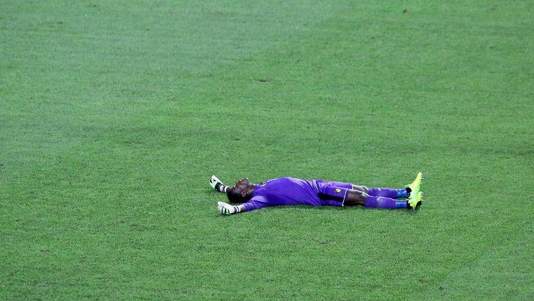 Воскресенье. Либревиль. Египет - Камерун - 1:2. Фабрис ОНДОА. Фото REUTERS
