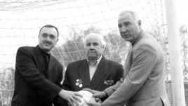 2001 год. Виктор (слева), Виктор Гаврилович (в центре) и Вячеслав ЧАНОВЫ.