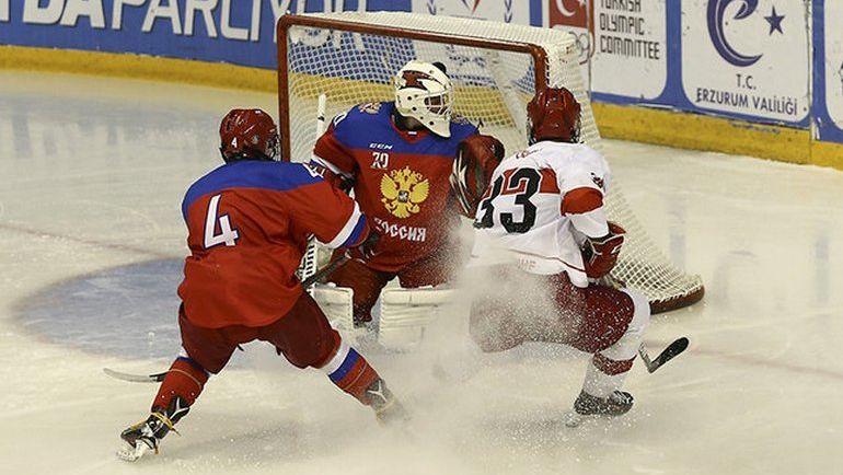 Юношеская сборная РФ похоккею обыграла срезультатом 42:0 команду Турции