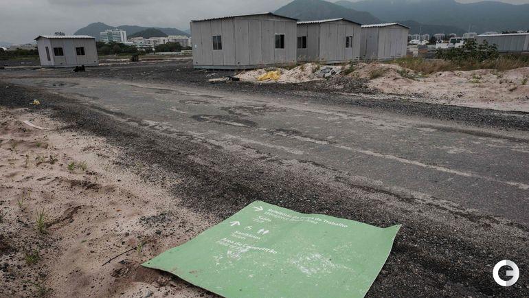 Сборные домики около полей для гольфа, которые использовались во время Олимпиады-2016, также стали символом разрухи. Бразильская конфедерация гольфа отказалась содержать их. Фото AFP
