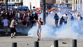 Беспорядки в Марселе, устроенные российскими и британскими фанатами во время Euro-2016.