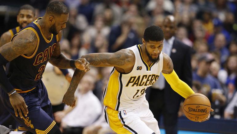 Пол ДЖОРДЖ (справа) уже не скрывает разочарования сезоном. Фото USA Today