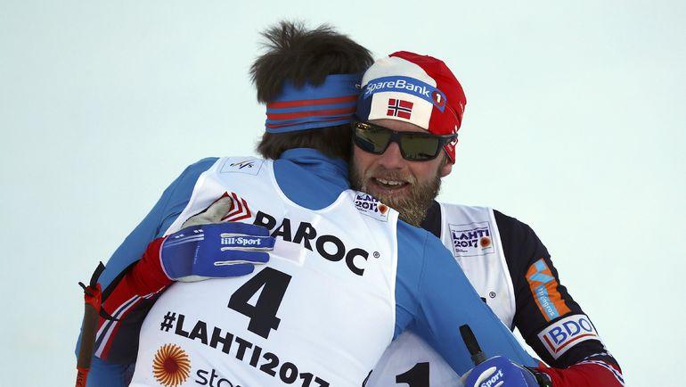Сергей УСТЮГОВ и Мартин СУНДБЮ после финиша. Фото REUTERS