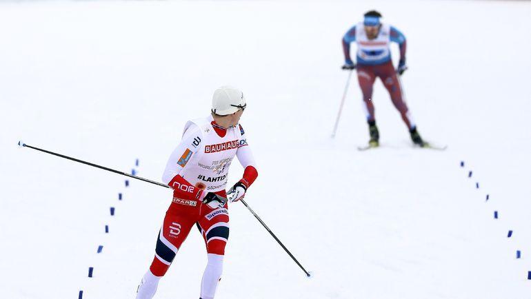 Финн КРОГ на финише оглядывается на Сергея УСТЮГОВА. Фото REUTERS