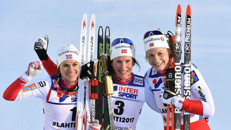 Сегодня. Лахти. Хайди ВАНГ, Марит БЬОРНГЕН и Астрид ЯКОБСЕН (слева направо). Фото AFP