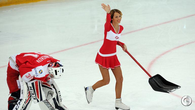 """На хоккее. Фото """"СЭ"""""""