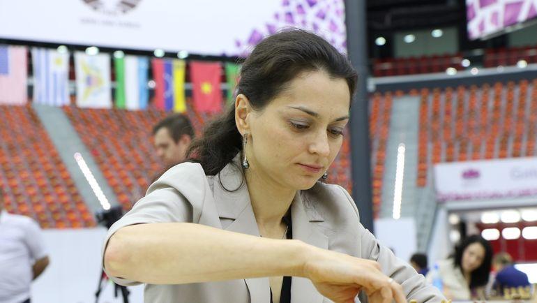 Александра КОСТЕНЮК приняла участие в матче брюнеток против блондинок. Фото Этери КУБЛАШВИЛИ