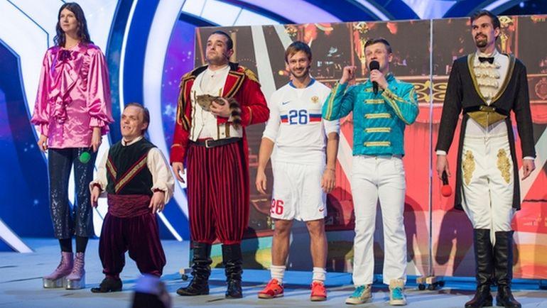 Дмитрий СЫЧЕВ (в центре). Фото kvn.ru