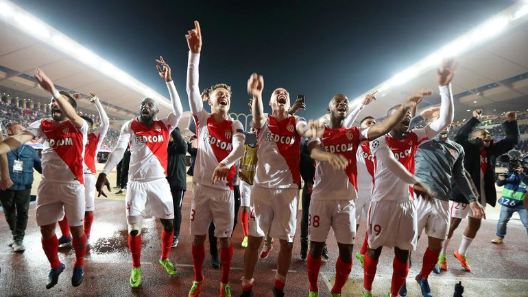 "Вчера. Монте-Карло. ""Монако"" празднует победу в противостоянии с ""Ман Сити"". Фото AFP"