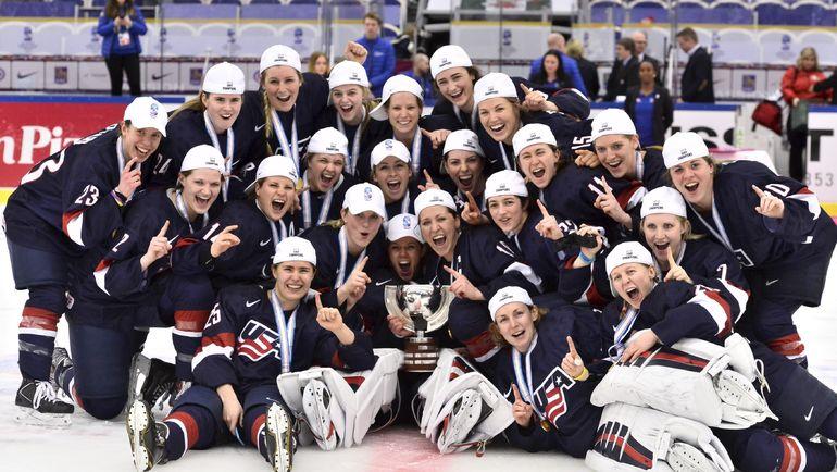 Американские хоккеистки всегда в фаворитах чемпионатов мира. Фото REUTERS