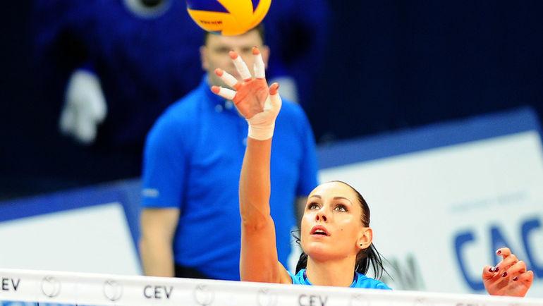 Наталья ГОНЧАРОВА (справа) ведет свой клуб ко второму чемпионству подряд. Фото Никита УСПЕНСКИЙ