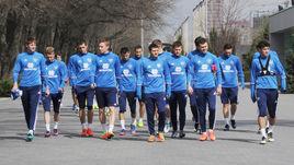 Акинфеев, Глушаков и зеленый бык на тренировке сборной России