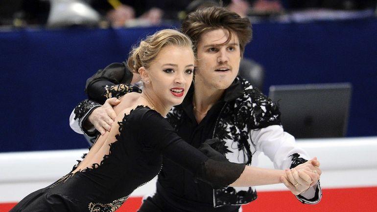 Александра СТЕПАНОВА и Иван БУКИН (танцы на льду). Фото AFP