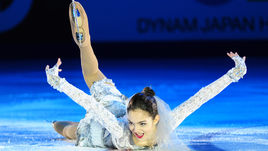 """22 ноября 2015 года. Евгения МЕДВЕДЕВА на показательных выступлениях на """"Гран-при"""" в Москве."""