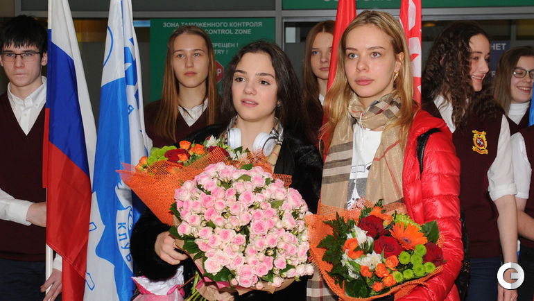 Сегодня. Москва. Евгения МЕДВЕДЕВА (слева) и Анна ПОГОРИЛАЯ.