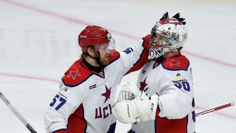 Григорий ПАНИН (слева) и Илья СОРОКИН. Фото Владимир БЕЗЗУБОВ, photo.khl.ru