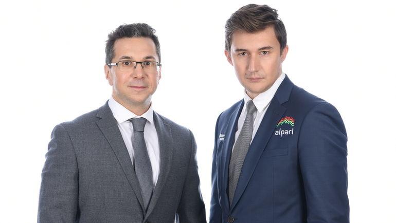 Кирилл ЗАНГАЛИС (слева) и Сергей КАРЯКИН. Фото Олег ЗОТОВ
