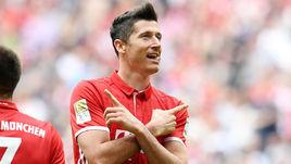 Левандовски – пятый раз в команде недели FIFA 17