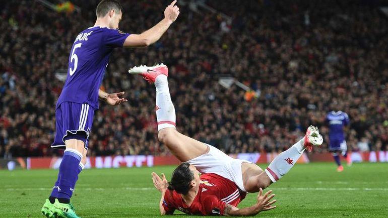 """Вчера. Манчестер. """"Манчестер Юнайтед"""" - """"Андерлехт"""" - 2:1 д.в. Златан ИБРАГИМОВИЧ получает серьезную травму."""