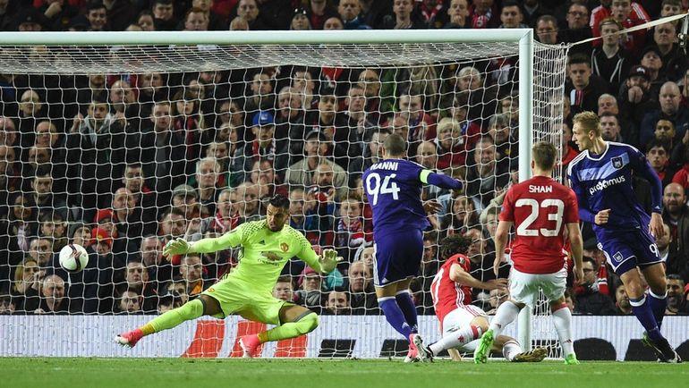 """Вчера. Манчестер. """"Манчестер Юнайтед"""" - """"Андерлехт"""" - 2:1 д.в. Софьян ХАННИ сравнивает счет. Фото AFP"""
