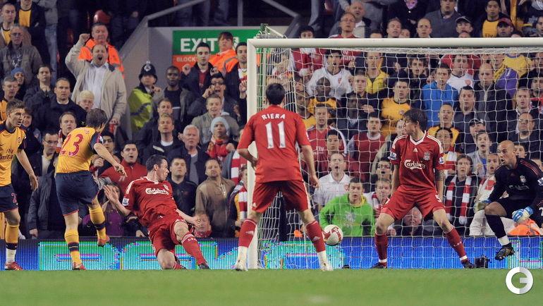 """21 апреля 2009 года. Ливерпуль. """"Ливерпуль"""" - """"Арсенал"""" - 4:4. 70-я минута. Третий гол Андрея АРШАВИНА (№23). Фото AFP"""