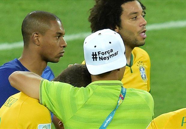 Жилмар Риналди: бразильским игрокам не стоило много внимания уделять Неймару, одевать кепки со словами поддержки