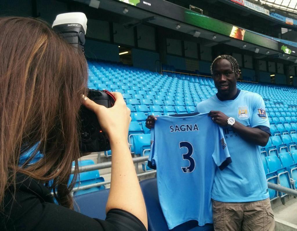 "Бакари Санья официально перешел в ""Манчестер Сити"" (фото)"