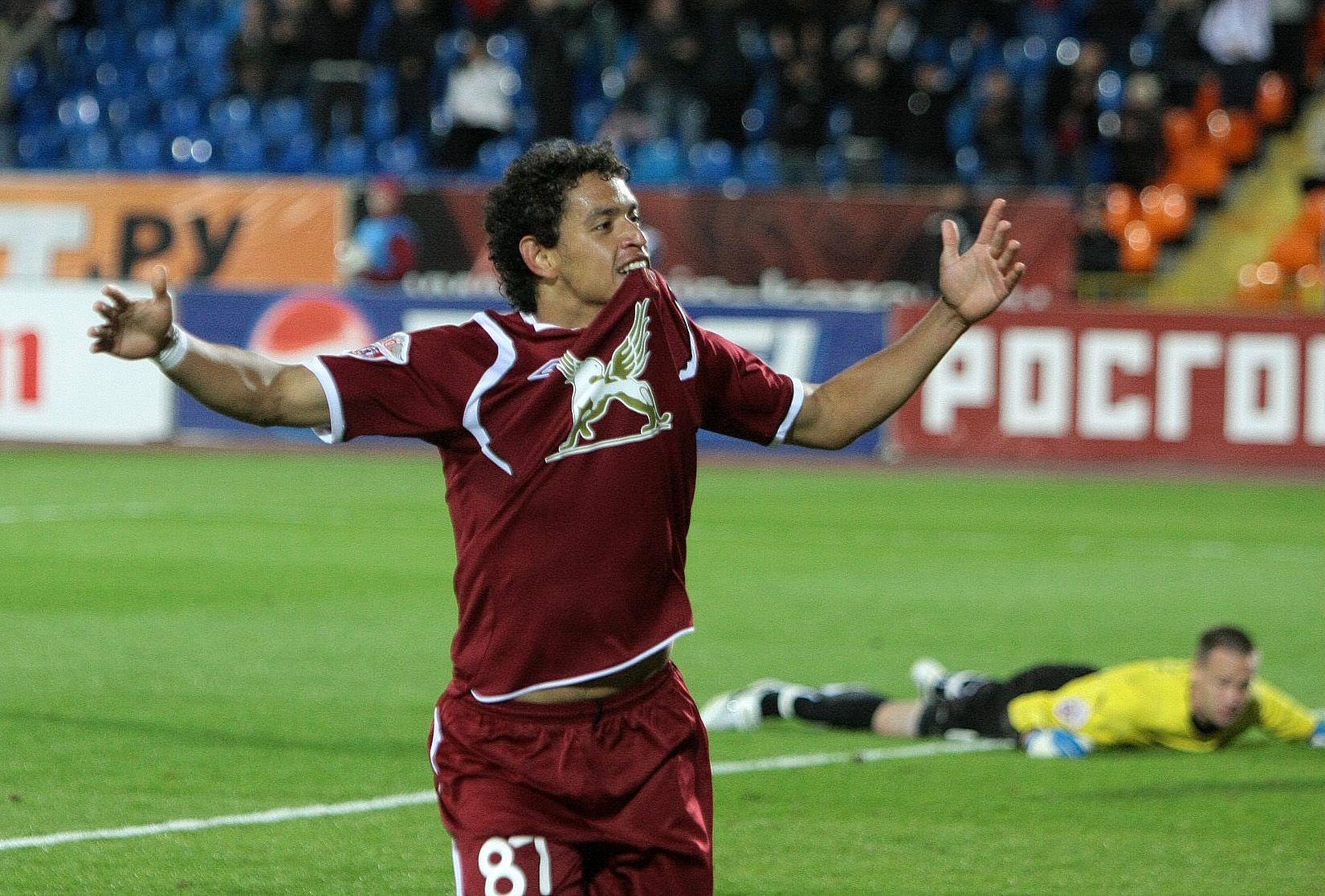 Квинси и еще 7 футболистов, загубивших карьеру в России