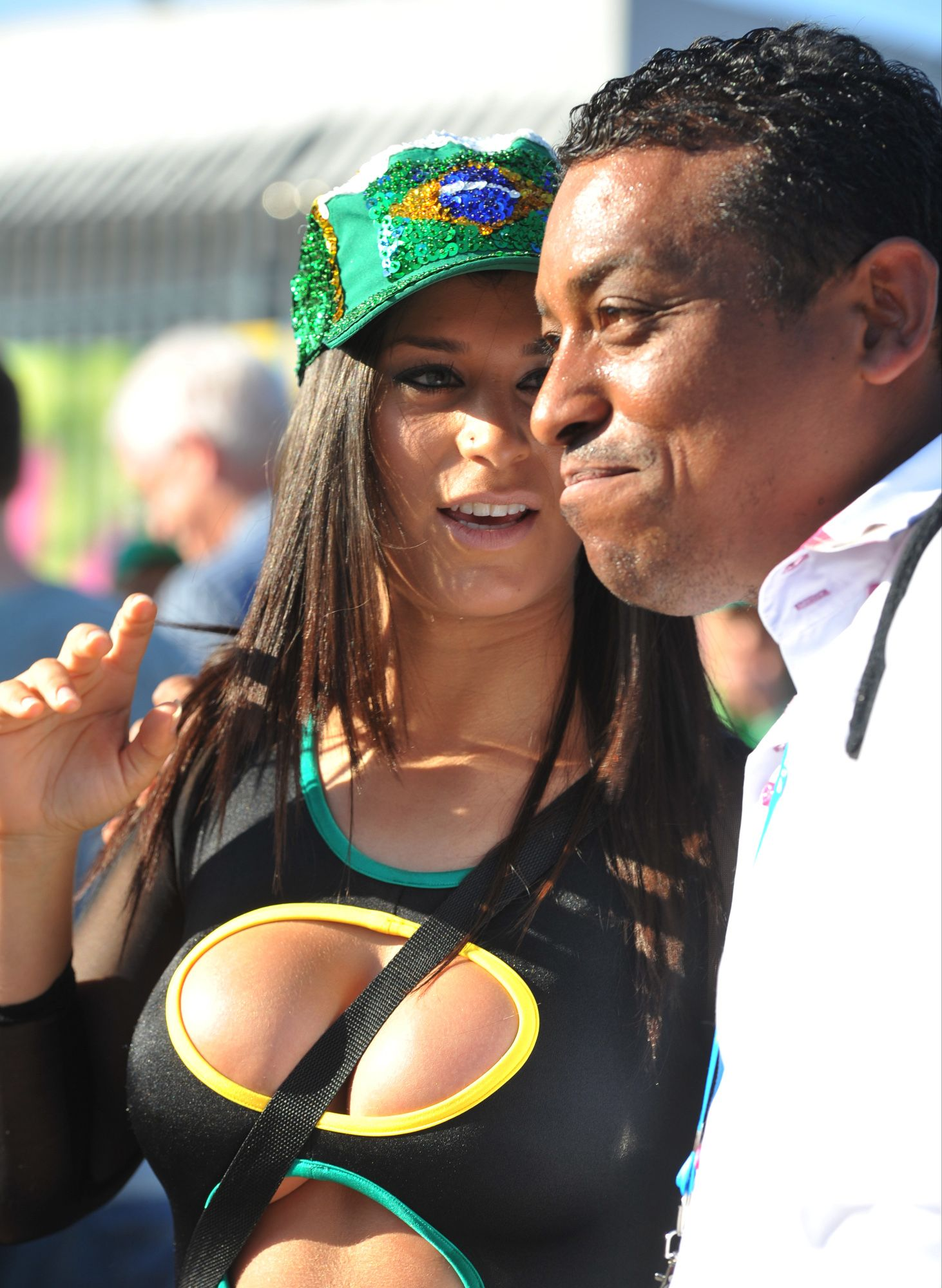 Сексуальные болельщицы сборной бразилии