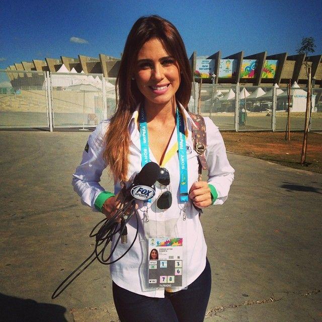 Богини репортажа: 10 самых очаровательных журналисток ЧМ-2014 (Фото) - изображение 7