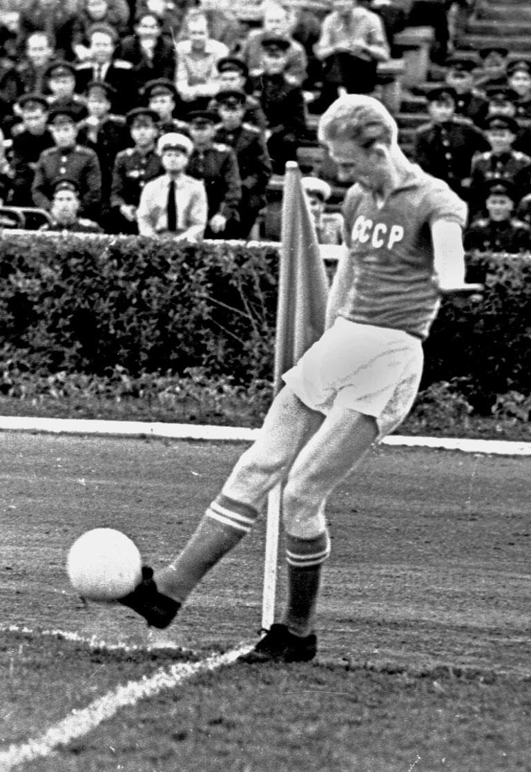 Валерий Лобановский. Главный инженер советского футбола - изображение 1