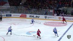 Удаление. Евгений Кетов (СКА) получил 2 минуты за опасную игру высоко поднятой клюшкой
