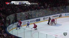 Гол. 1:2. Александр Кадейкин (Локомотив) сократил отставание в счёте до минимума