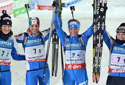 Бронзовые призеры ЧМ-2013 в эстафетной гонке: Николь ГОНТЬЕР, Микела ПОНЦА, Карин ОБЕРХОФЕР и Доротея ВИРЕР (слева направо). Фото AFP