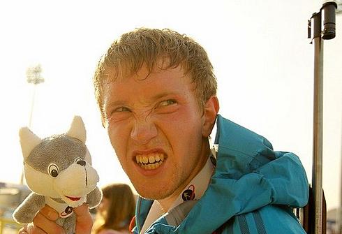 Алексей ВОЛКОВ. после победы в смешанной эстафете на Кубке мира, Хохфильцен, Австрия, 18 декабря 2011 года. Фото AFP.