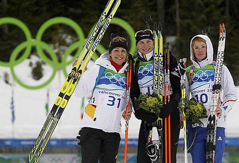 13 февраля 2010 года. Уистлер. Зимние Олимпийские игры. Магдалена Нойнер, Анастасия Кузьмина и Мари Дорен. Фото REUTERS