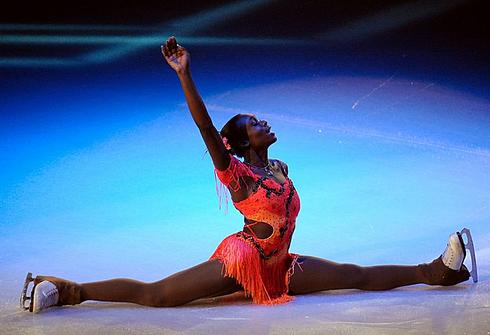 """Показательное выступление Маэ Бернис МЕЙТЕ на этапе """"Гран-при"""" в Париже. Фото AFP"""