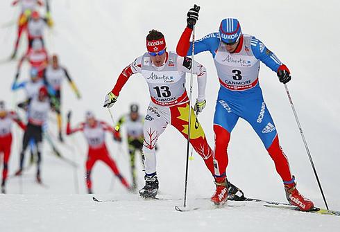 Евгений БЕЛОВ (справа) на этапе Кубка мира в Кэнморе. Фото REUTERS